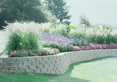 Landscape decorative retaining wall